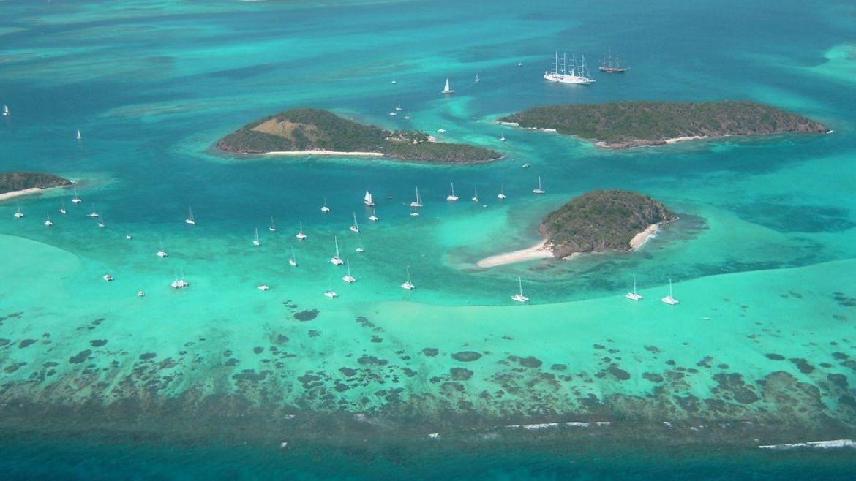 Les Grenadines vues du ciel