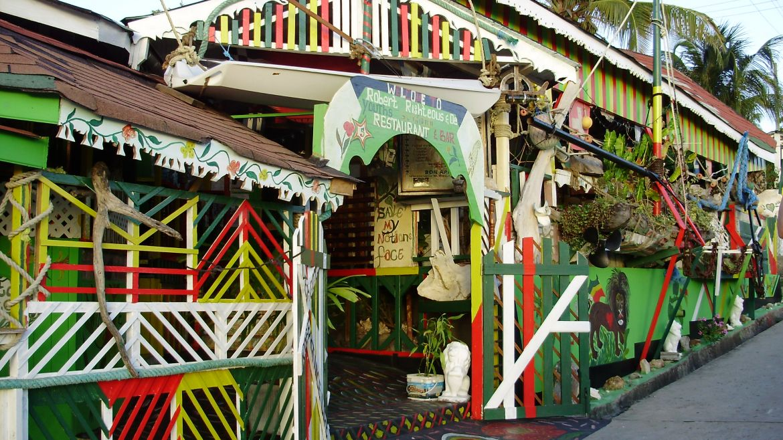"Bar rasta ""chez Robert"" au village de Mayreau, Grenadines"
