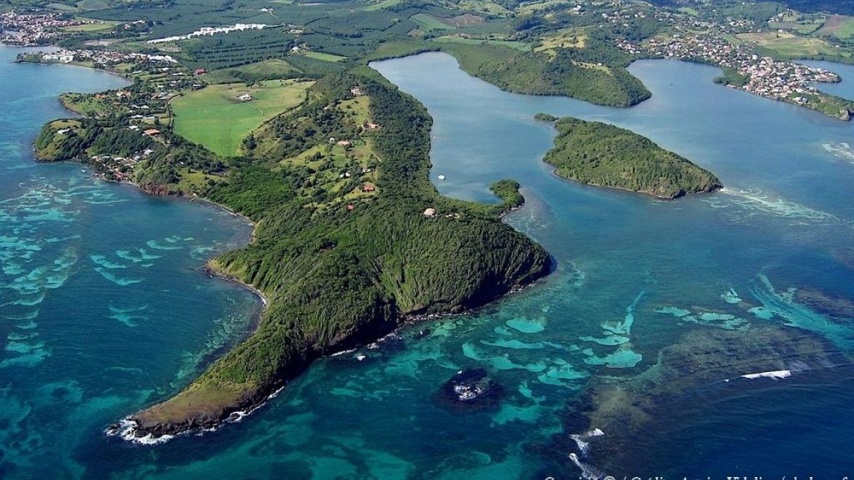 Petite Grenade vue du ciel - Martinique - crédit photo : skydrone.fr