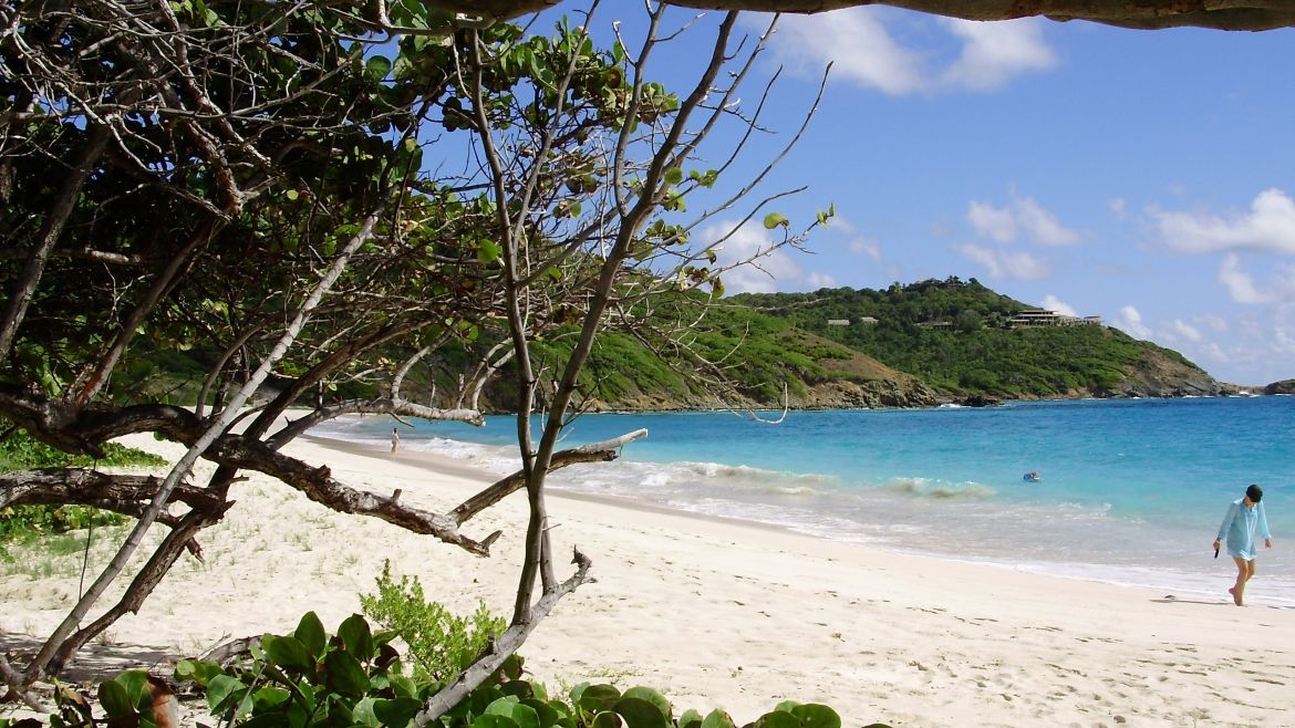 Macaroni Beach, plage de Moustique - Grenadines